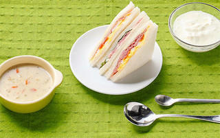 コンビニ朝食の画像.jpg